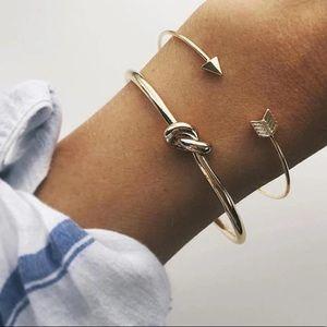 Gold Arrow Knot Bangle Set